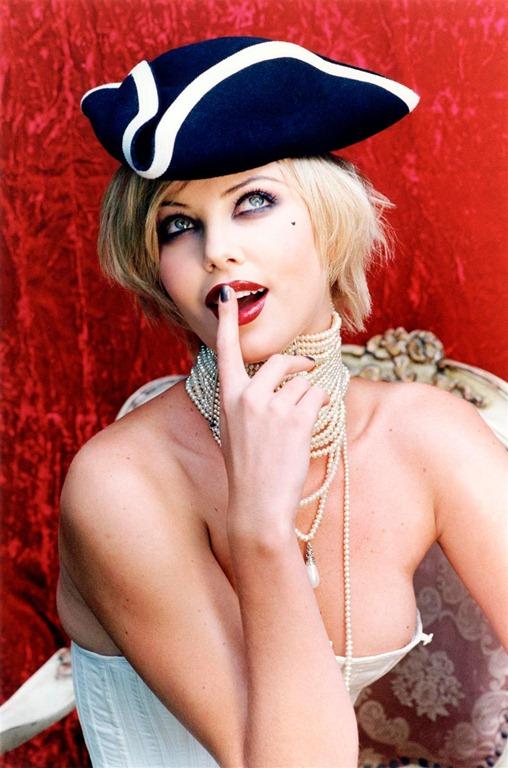 Charlize Theron captada por Ellen Von Unwerth.